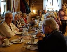 Kaffeetrinken auf der Königsalm – AWO Fuldatal