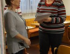 Awo Fuldatal: Rückblick auf den Waffel-Kaffee-Nachmittag mit Verabschiedung der bisherigen Tanzleiterin und Begrüßung eines neuen Mitglieds, zugleich neue Tanzleiterin